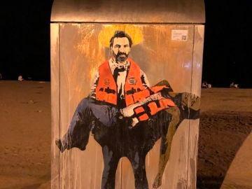 Grafiti de TVBoy en la playa de la Barceloneta