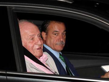 El rey Juan Carlos a su llegada a la clínica Quirón
