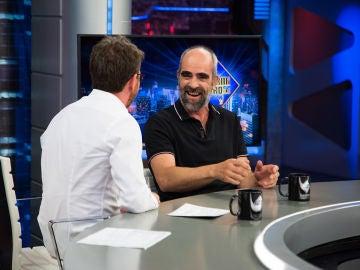 Luis Tosar sorprende en 'El Hormiguero 3.0' con la voz aguda que pone cuando habla con su bebé