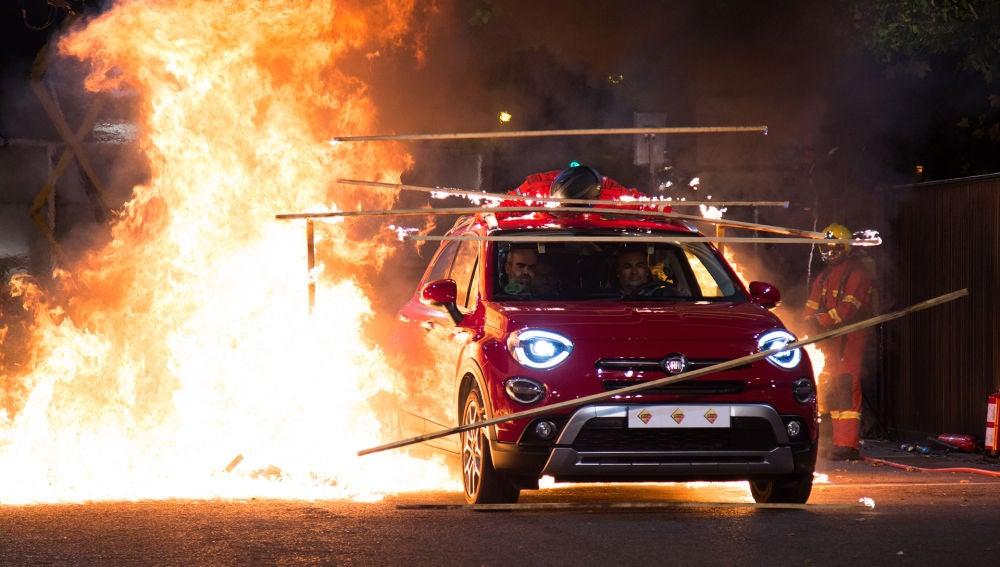 Luis Tosar atraviesa con Pablo Motos un espectacular muro de fuego en 'El Hormiguero 3.0'