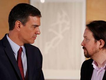 El presidente del gobierno Pedro Sánchez y el líder de Podemos Pablo Iglesias