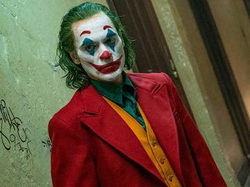 Joaquin Phoenix, caracterizado como el Joker