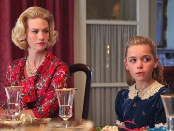 Kiernan Shipka y January Jones, Sally y Betty Draper en 'Mad Men'