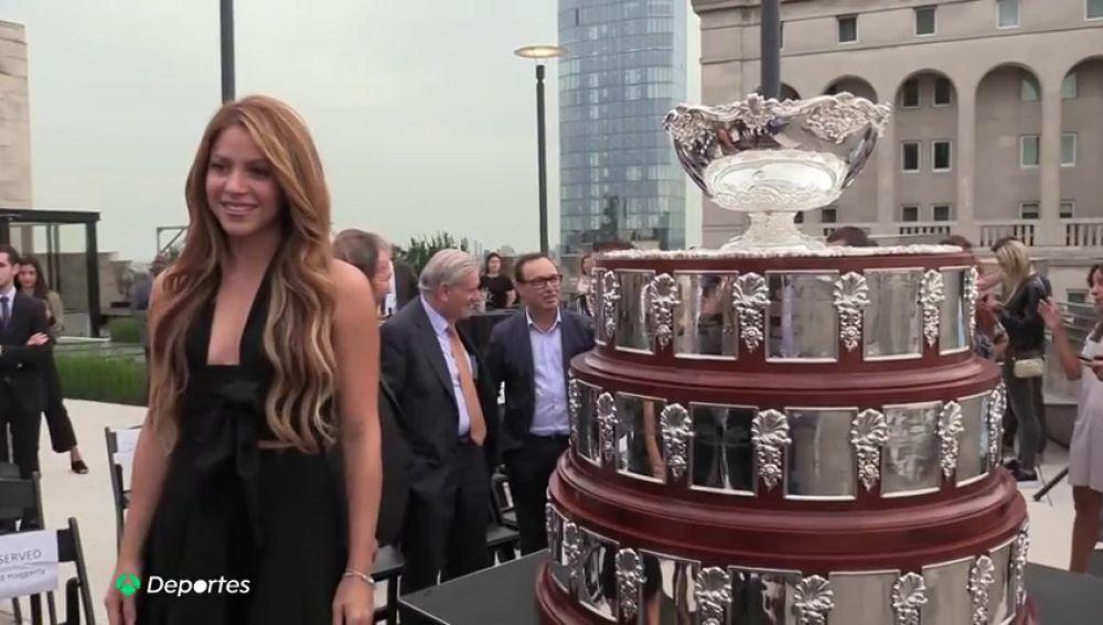 Piqué y Shakira presentan la nueva Copa Davis en una impresionante presentación en Nueva York
