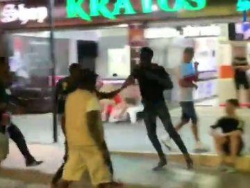 Brutal pelea entre vendedores ambulantes en Magaluf