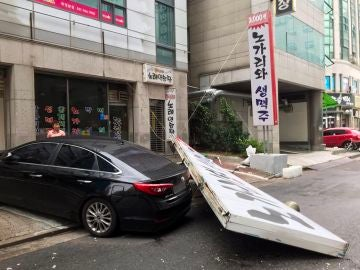 Daños a causa del tifón Lingling en Corea del Sur