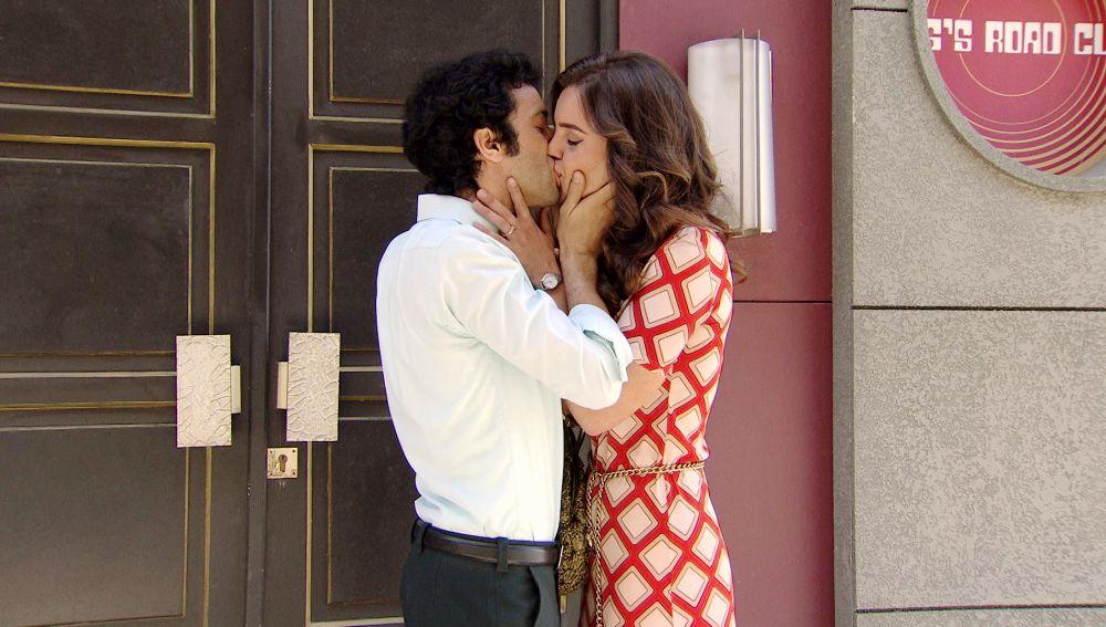 'Amar es para siempre': María e Ignacio recuerdan frente al King's su historia de amor