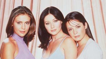 Shannen Doherty (Prue), Alyssa Milano (Phobe), Holly Marie Combs en 'Embrujadas'