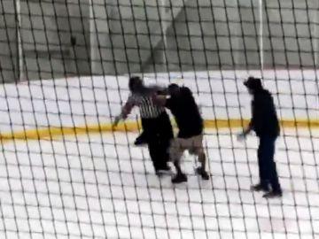 La agresión a un árbitro en un partido de hockey en Canadá