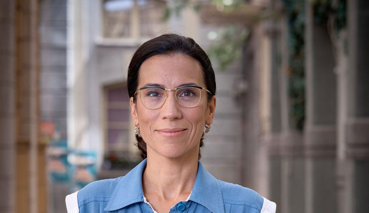 Itziar Miranda como Manolita en la octava temporada de 'Amar es para siempre'