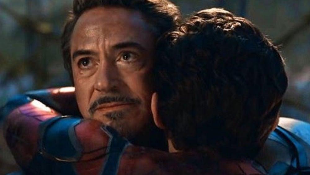 Robert Downey Jr. (Iron Man) y Tom Holland (SpiderMan)