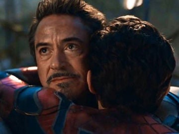 Robert Downey Jr. (Iron Man) y Tom Holland (SpiderMan)