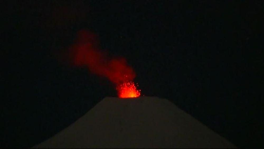 Crece la actividad en el volcán Villarrica