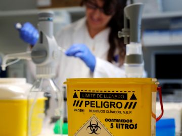 Investigadores del Centro Nacional de Microbiología (CNM)