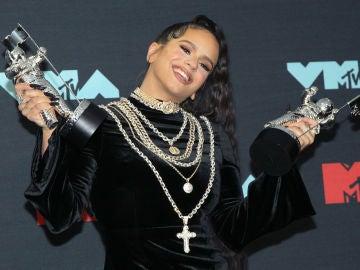 Rosalía con sus premios MTV VMA
