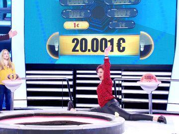 Una chichilindris se planta con 10.000 euros y mucha suerte en '¡Ahora caigo!'