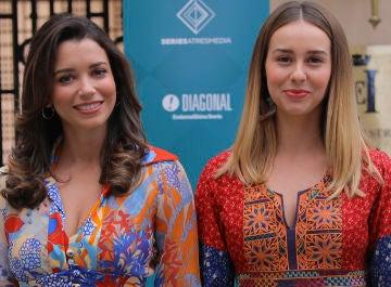 Carol Rovira y Paula Usero en la presentación de la octava temporada de 'Amar es para siempre'