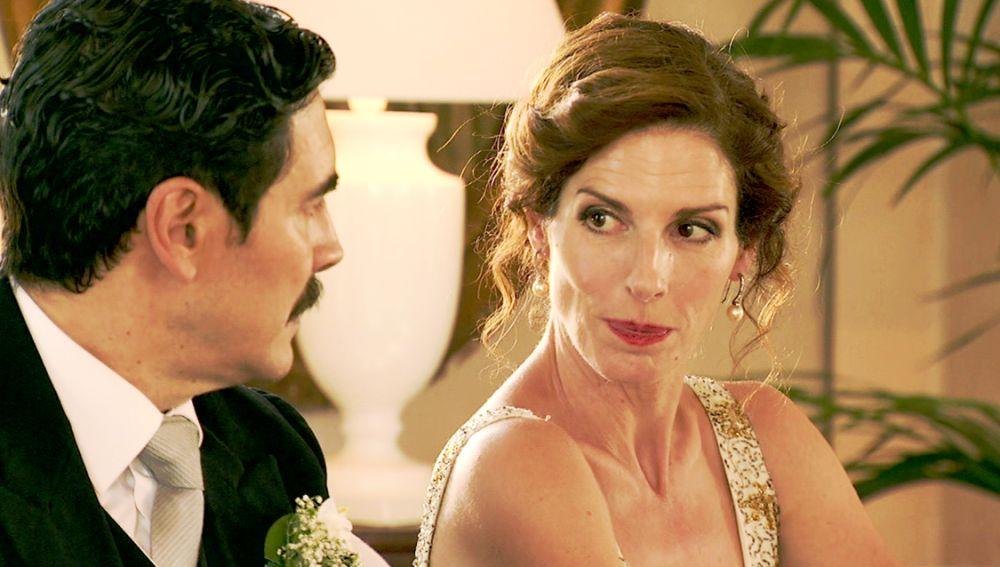 Avance 'Amar es para siempre': Julia descubre la infidelidad de Armando en plena boda de su hija