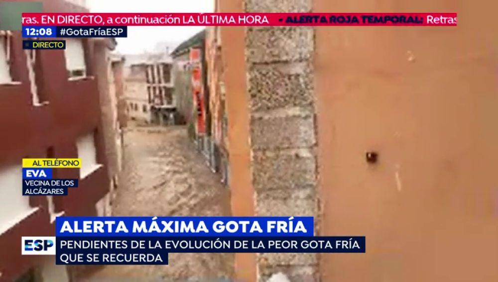 """Una vecina de los Alcázares atrapada por la DANA :""""Estamos incomunicados y no llega la ayuda"""""""
