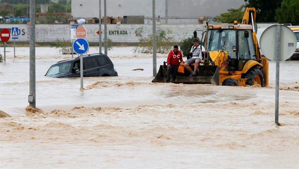 Coches inundados por la DANA