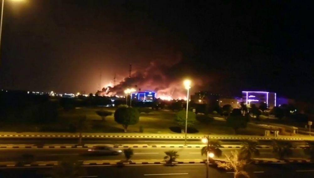 Atacan dos petroleras de Arabia Saudí con drones elevando la tensión en la región