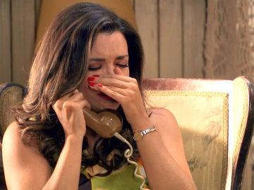 Amelia, entre lágrimas, llama a Luisita desesperada