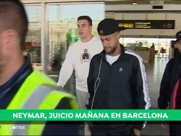 Neymar llega a Barcelona para enfrentarse al juicio por su prima de renovación
