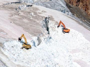 Destruyen parte del glaciar Pitztal para ampliar una estación de esquí