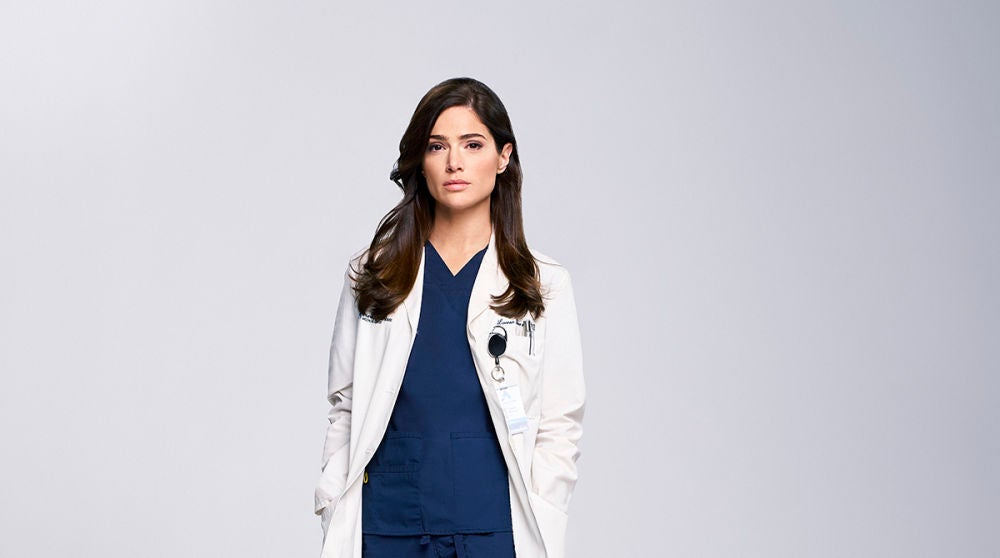 Janet Montgomery interpreta a la Dra. Lauren Bloom en 'New Amsterdam'