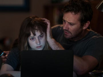 Dakota Johnson y Armie Hammer en 'Wounds'