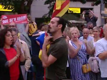"""Acoso a los guardias civiles y policías en Cataluña: """"Pim, pam, pum, que no quede ninguno"""""""