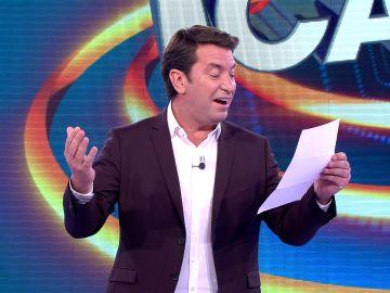 Arturo Valls, emocionado por una carta escrita a máquina de un fiel seguidor de '¡Ahora caigo!'