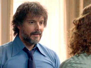 Guillermo se disculpa con Julia por no haber confiado en ella