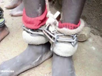 Rescatan a más de 300 personas encadenadas por los tobillos en una escuela coránica en Nigeria