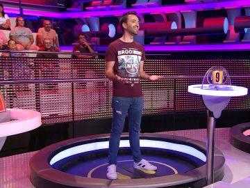¡Qué romántico!: Un concursante canta una preciosa copla de Cádiz en '¡Ahora caigo!'