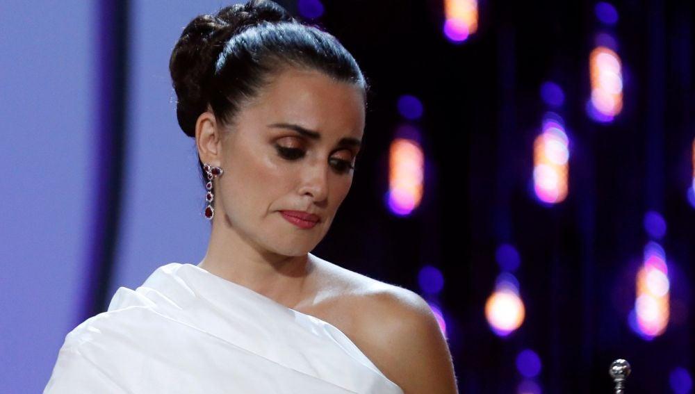 La actriz Penélope Cruz recibe el premio Donostia