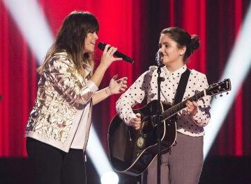 Vanesa Martín e Isabel Marsal cantan 'Borracha de amor' en 'La Voz Kids'