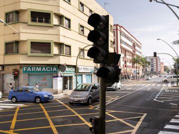 Un semáforo de Tenerife apagado