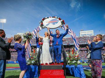 La boda de dos hinchas de los Bills