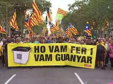 "Manifestantes independentistas recorren Barcelona proclamando ""libertad presos políticos"" e ""independencia"""