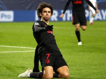 Joao Félix celebra su gol ante el Lokomotiv