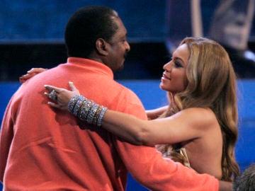 Beyoncé junto a su padre, Mathew Knowles