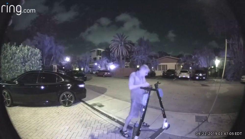 Detenido en Florida un hombre por cortar los frenos de 150 patinetes eléctricos