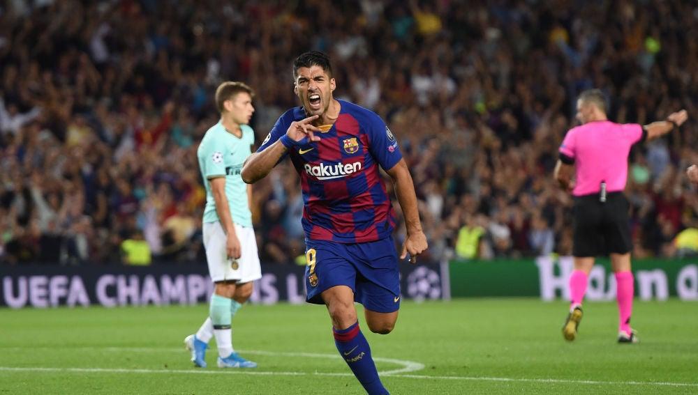 Luis Suárez celebra su gol ante el Inter de Milán