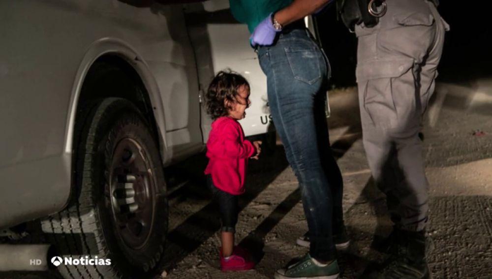 Niña llorando en la frontera, foto ganadora del World Press Photo