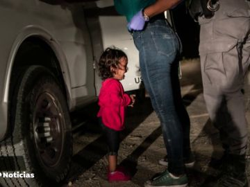 Niña llorando en la frontera, foto ganadora del World Press Photo
