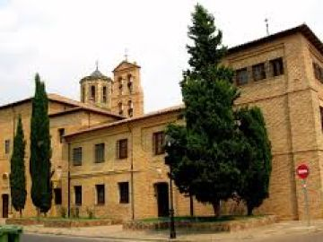 Roban en el convento de Sahagún, en León, mientras las monjas rezaban a vísperas