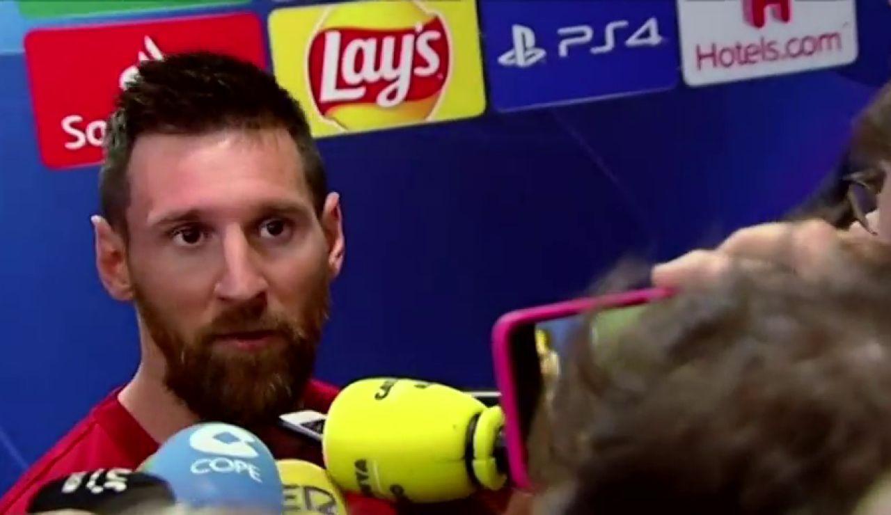 Leo Messi atendiendo a los medios
