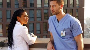 Max Goodwin  encuentra un inesperado apoyo en la Dra. Helen Sharpe