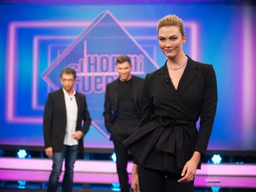 'El Hormiguero 3.0' se convierte en una pasarela de modelos con Karlie Kloss, Ed Skrein y Pablo Motos